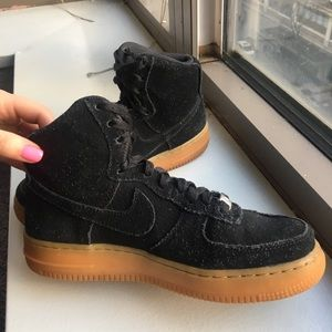 Black Nike Air Force 1 Hightop Suede with Gum Sole